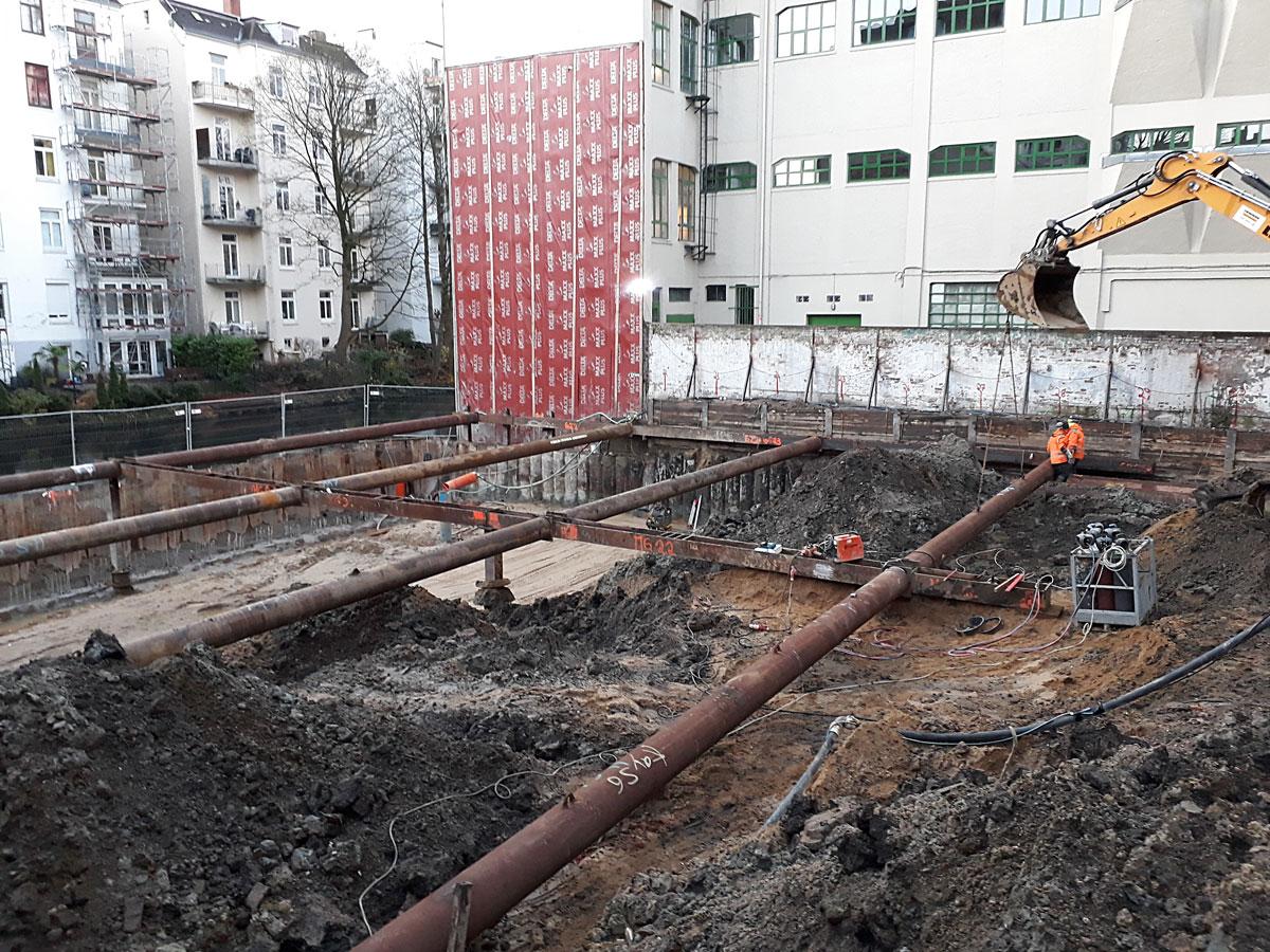 Bauarbeiten auf dem hinteren Grundstück der Hegestraße 46 in Hamburg.